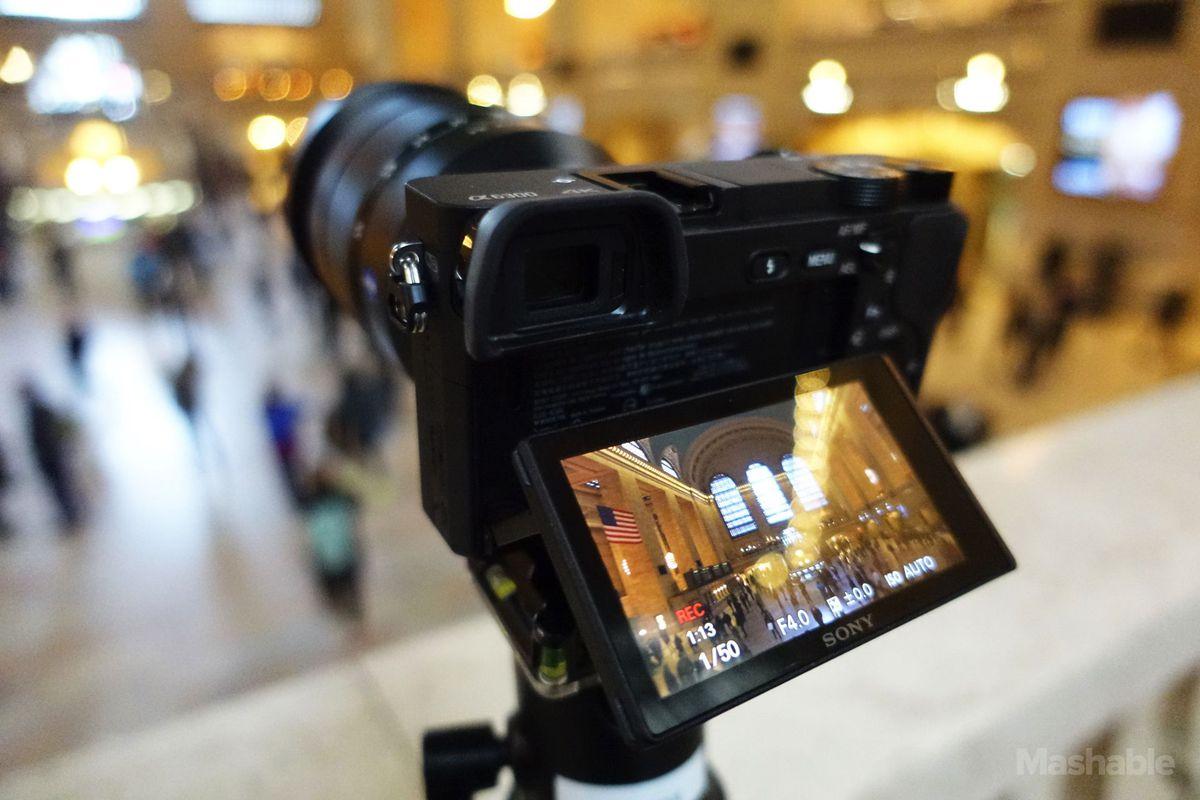 cho thuê Sony A6300 tại Hà nội