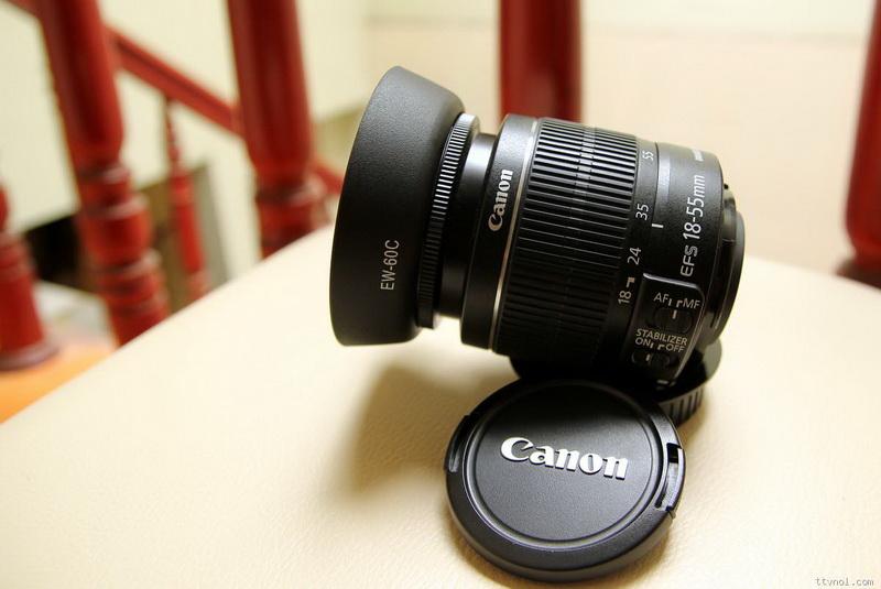 ống kính tiêu chuẩn